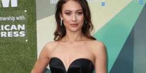 欧嘉·柯瑞兰寇确诊新冠肺炎 曾在007中出演邦女郎