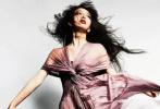 据日媒报道,近日木村拓哉和工藤静香的大女儿木村心美,继小女儿木村光希(Koki)后,将以Cocomi的艺名正式出道。据悉,和妹妹光希一样率先在时尚圈发展。木村心美首次亮相就强势登上《Vogue Japan》5月刊封面。