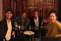 刘亦菲和《花木兰》主演聚会 素颜出镜双下巴抢镜