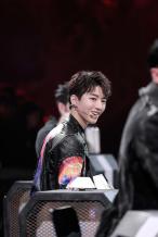 王俊凯结合自身经历给ACE建议 和谢霆锋有分歧?