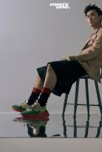 吴磊登封展现多变时髦穿搭 清新洒脱演绎少年魅力