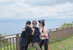 3月30日,任家萱(Selina)通过微博晒出一组和田馥甄(Hebe)、陈嘉桦(Ella)出游徒步健身的照片,并大方表白姐妹Hebe为其庆祝36岁生日。