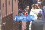 4月2日,有八卦媒体曝光了一组赵丽颖《有翡》的最新路透。
