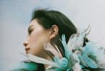 4月14日,刘诗诗登上《时装L'Officiel》4/5月合刊封面大片发布。这也是刘诗诗产后复工解锁的第五个封面。