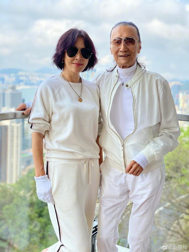 上饶人才网:刘嘉玲晒与谢贤合影养眼有型 激动称其是超级明星