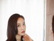 宋茜出席《創造營3》云發布會 超A淚痣妝干練十足