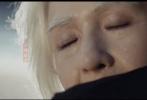 4月28日,张杰新歌《爱人啊》MV上线。MV中,张杰谢娜夫妻档出演,两人还首次尝试了老年妆,体验岁月时光机。画面中,头发花白的两人,眼含热泪相对,眼神中爱意浓浓,十分感人。