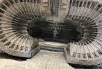 近日,为庆祝《复仇者联盟4:终局之战》上映一周年纪念日,导演罗素兄弟(安东尼·罗素与乔·罗素)在社交平台首度曝光了一组影片幕后照,瞬间又将影迷们带回到那些激动人心的时刻!