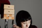 5月6日,杨幂登上《ELLE世界时装之苑》6月刊封面大片发布。全新的波波头短发造型又飒又俏,出挑的小恶魔眼妆、豹纹、皮衣、蕾丝内衣、迷人长腿,杨幂以自己的独特韵味定义新性感。