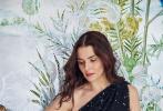 近日,演員蕾切爾·薇姿登上英國版芭莎《Harper's Bazaar》六月刊封面,一組春意盎然的寫真在立夏初至之時釋出,浪漫吸睛。