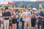 5月11日,横店影视城官博分享了一组《古剑奇谭》开机现场的高清照片。杨幂、李易峰、陈伟霆、迪丽热巴、高伟光等主演同框,满满一波回忆杀!