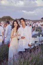 戚薇晒坐李承铉肩膀拍情侣照 摄影师竟然是她!
