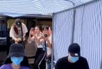 5月13日,由楊冪、陳偉霆主演的電視劇《斛珠夫人》官博針對日益猖獗的劇組私生代拍偷拍行為發布聲明,表示劇組為防止代拍現象采取了一些列保護措施,但代拍者屢次破壞維護用品,甚至以惡意視角進行偷拍,嚴重干擾了演員與劇組的正常拍攝。