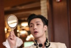 5月17日晚,张艺兴工作室通过微博发文,表示张艺兴由于紧密的行程和既定的新规划,将告别本季《极限挑战》的旅程。