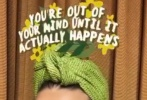 """5月22日,""""水果姐""""凯蒂·佩里通过个人社交账号晒出一组照片。她身穿绿色碎花一字肩上衣,戴着印有新歌《Daisies(雏菊)》海报的口罩,真是自我保护和宣传作品两不误。"""