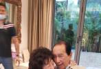 據港媒報道,5月26日13時05分賭王何鴻燊病逝,享年98歲。何鴻燊于1921年11月25日在香港出生,祖籍廣東。