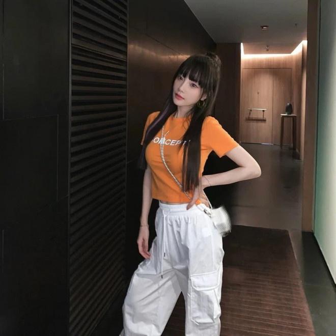 联博统计:37岁李小璐扮少女性感又甜蜜 扎丸子头秀小蛮腰 第2张
