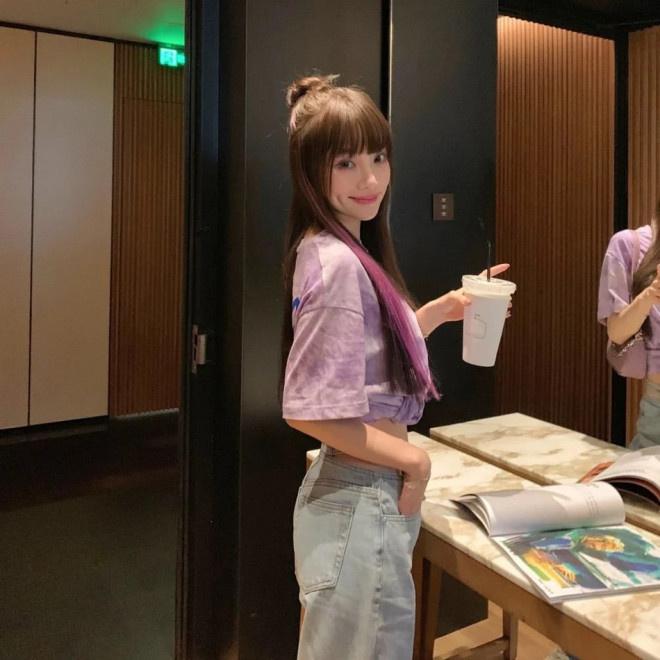 联博统计:37岁李小璐扮少女性感又甜蜜 扎丸子头秀小蛮腰 第3张