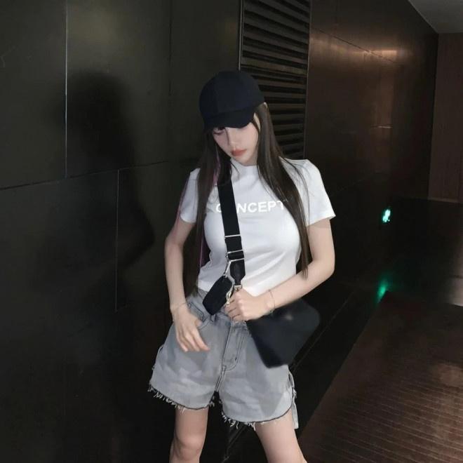 联博统计:37岁李小璐扮少女性感又甜蜜 扎丸子头秀小蛮腰 第4张