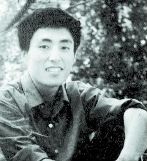 ug环球官方注册:70岁的张艺谋,功成名就后携数部新作再攀岑岭! 第5张