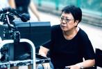 6月4日,由洪金宝、许鞍华、袁和平、林岭东等七位中国香港导演联合执导的电影《七人乐队》曝光了全新的幕后剧照。