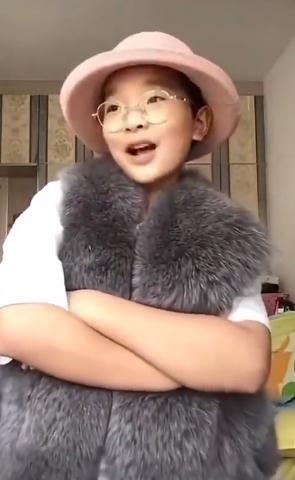 """欧博亚洲客户端下载:""""神模拟""""男孩钟美美:想考北京电影学院学演出"""