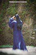 苏!李易峰《镜双城》路透 黑化造型蓝发加烟熏妆