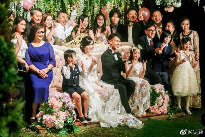 ug环球手机版下载:吴尊分享婚礼现场照 感性发文表明妻子感恩所有 第4张