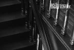 6月9日,王源登封《悦游Condé Nast Travele》七月刊封面大片曝光。此次,王源回到家乡重庆,沐浴着夏日阳光,潮酷少年穿行在山城的天台和街头。湿发背头、复古小辫,花衬衫、廓形西装,定格少年最美好的模样。