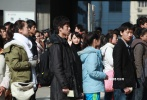前两天电影《平原上的摩西》曝光了杀青海报,同时也公布了主创阵容,周冬雨、刘昊然领衔主演。