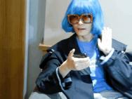 真·无价之姐!李宇春蓝色蘑菇头假发录歌放飞自我