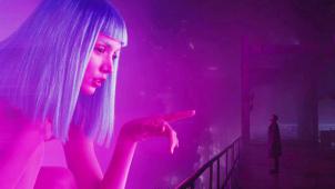 《银翼杀手2049》推介:科幻经典的传奇续作