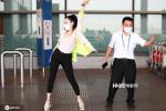魔性洗脑!钟丽缇现身机场教大叔跳《无价之姐》