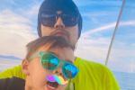 周杰倫父親節曬親子照 與兒子羅密歐同戴墨鏡超酷