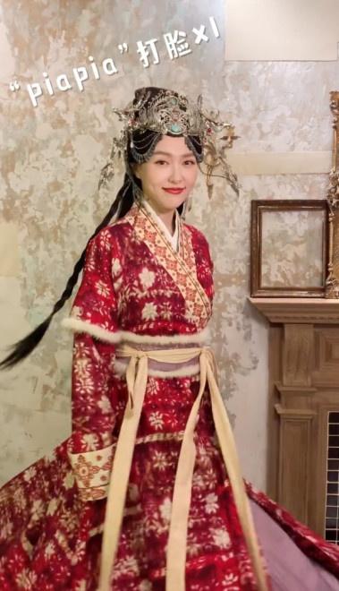 allbet gmaing官网:唐嫣产后首亮相红唇妆细腻!穿古装戏服状态超好 第3张