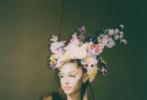 """6月26日是""""A妹""""爱丽安娜·格兰德27岁生日,她通过个人社交账号晒出了一组庆生派对上的美照。"""