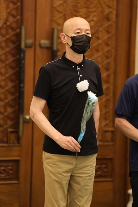于蓝遗体辞别典礼在京举办 葛优等片子人前去哀悼