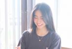 """7月9日,木村光希通过微博晒出姐姐心美为其拍摄的美照,配文""""Good afternoon"""",分享欢乐的午后时光。"""