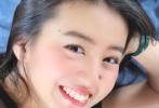 """7月9日,木村光希通過微博曬出姐姐心美為其拍攝的美照,配文""""Good afternoon"""",分享歡樂的午后時光。"""