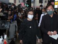 成龍、謝賢、汪明荃、霍啟剛夫婦前往悼念何鴻燊