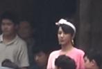 7月10日,杭州千岛湖,电影《我和我的家乡》徐峥执导单元最新路透曝光,导演徐峥和主要演员王俊凯、杨紫、张译、李晨等亮相。