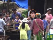 楊紫現身《我和我的家鄉》片場 王俊凱背紅軍包