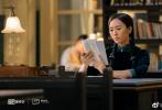 """7月13日,毛晓彤通过微博晒出一张和朱一龙、童瑶的合照,并开心表示:""""今天是个好日子""""。合照一出就有粉丝表示""""一张图三个剧组"""",为什么这么说呢?"""