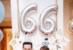 7月15日,安以轩在微博晒出与老公一起为儿子66庆祝一周岁生日的照片,一家三口穿同款亲子装,安以轩挺着孕肚与老公有爱地亲吻儿子66的脸颊,庆生会现场也布置得十分温馨。