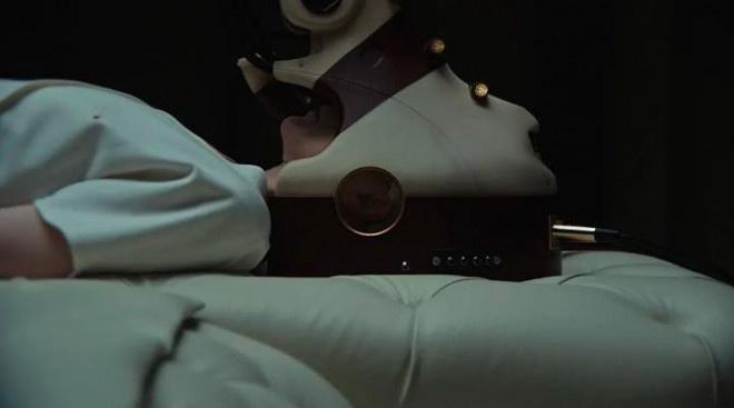 肖恩·宾出演惊悚片 《据有者》中直面高科技奸细