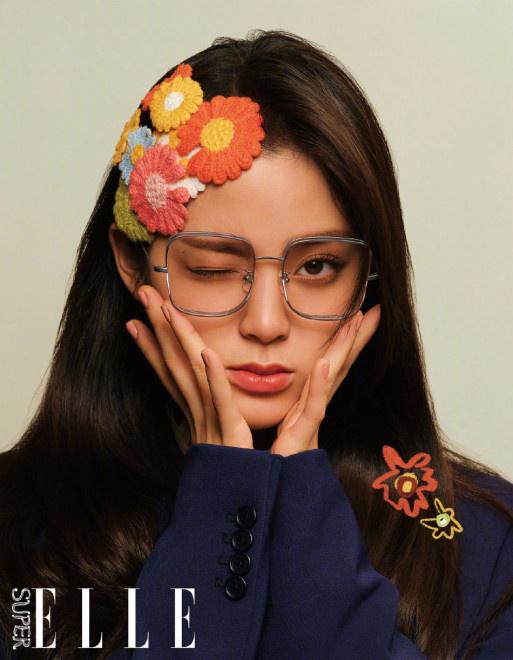 欧博在线官网:时尚圈刮起复古风!欧阳娜娜新封造型俏皮可爱 第2张