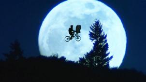 北美公映52周 蝉联票房冠军11年 《外星人E.T.》有何魅力?