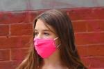 阿汤哥14岁爱女苏瑞与闺蜜逛街 身材高挑星范十足