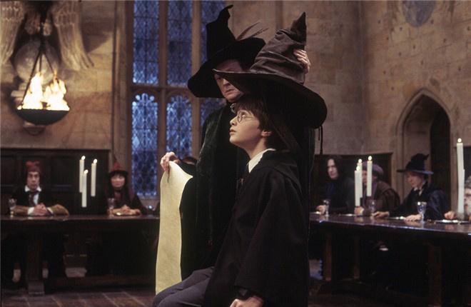 """《哈利·波特与魔法石》曝光""""魔法永恒""""版预告"""