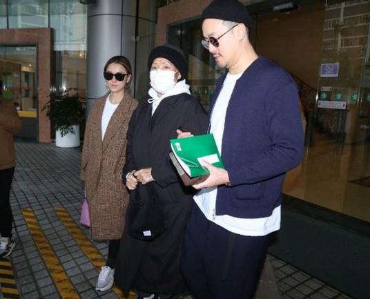 港媒曝曾志伟太太朱锡珍病逝 年初曾返港入院治疗